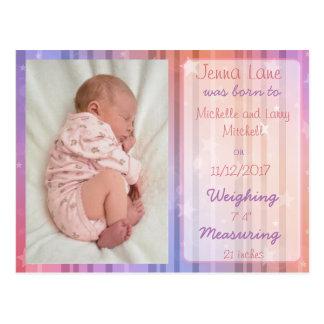 Postal de la invitación del nacimiento de la niña
