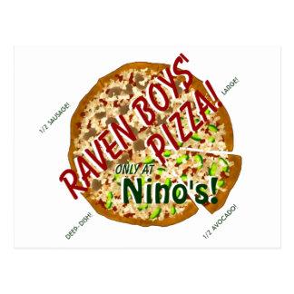 Postal de la pizza de los muchachos del cuervo