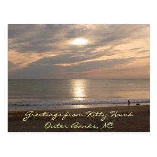 Postal de la playa de la puesta del sol de Outer