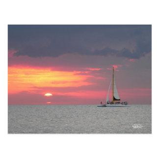 Postal de la puesta del sol de Katamaran
