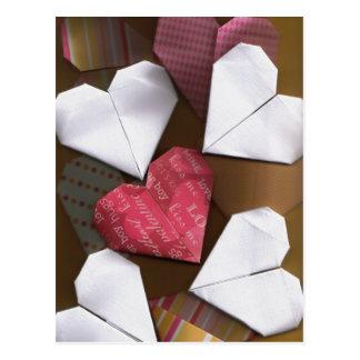 Postal de los corazones de Origami