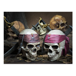 Postal de los cráneos del pirata