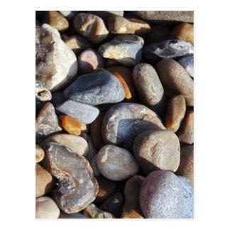 Postal de los guijarros de la playa