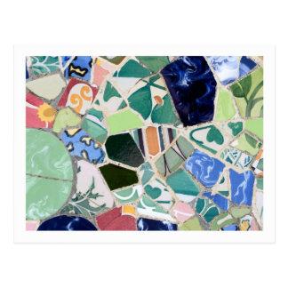 Postal de los mosaicos de Guell del parque