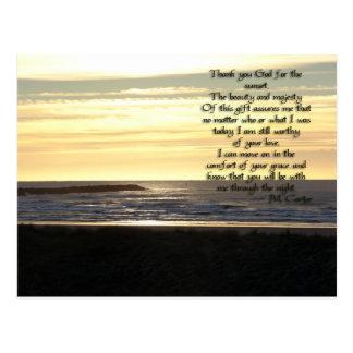Postal de oro del rezo de la puesta del sol