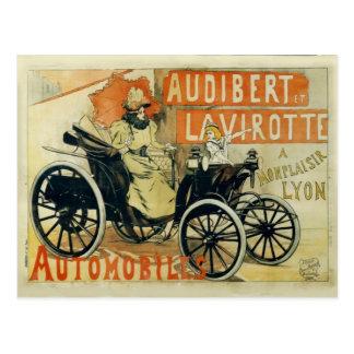 Postal del francés del coche antiguo