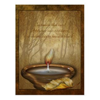 Postal del personalizable de la vela del bosque