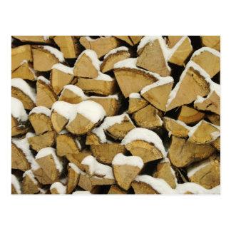 Postal del Woodpile del invierno