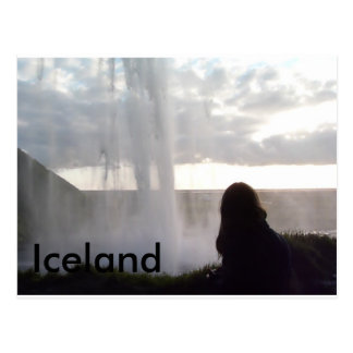 Postal Detrás de la cascada en Islandia