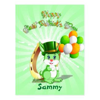 Postal Dibujo animado verde del conejito de San Patricio