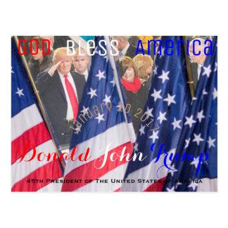 Postal Donald Trump que tarda el su juramento de toma de
