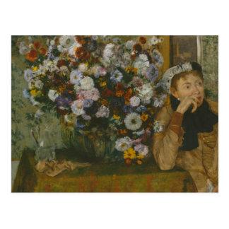 Postal Edgar Degas - mujer asentada al lado de un florero