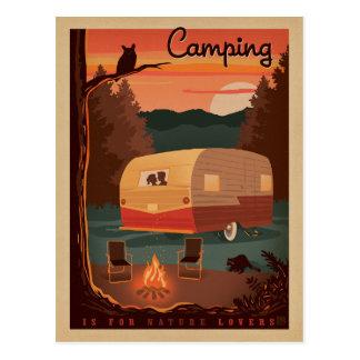 Postal El acampar está para los amantes de naturaleza