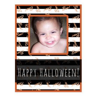 Postal El blanco negro de Halloween raya la foto moderna