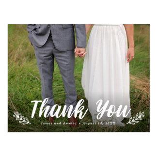 Postal El boda moderno del laurel de la letra le agradece