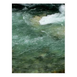 Postal El fluir del agua de río
