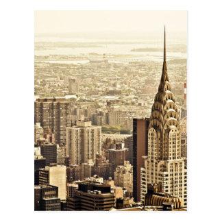 Postal El horizonte de New York City y la construcción de