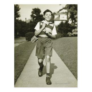Postal El ir a la escuela