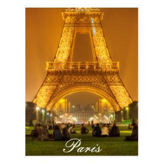 Postal el | la torre Eiffel en la noche el | París