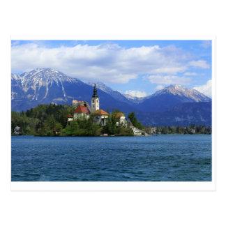 Postal El lago sangró la isla - el tesoro de Eslovenia