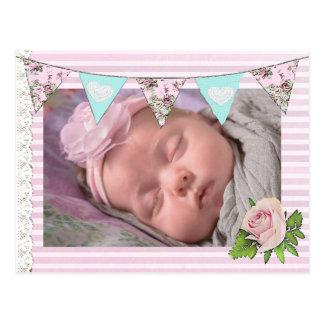 Postal El nacimiento elegante floral rosado de la niña