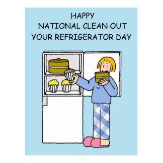 Postal El nacional limpia su día del refrigerador