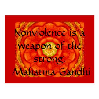 Postal El Nonviolence es un arma del fuerte. - Gandhi