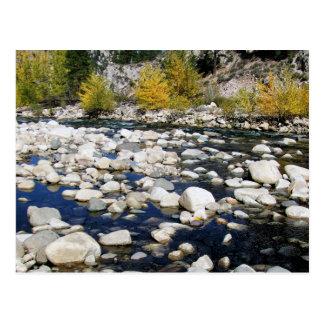Postal El río del caminante en otoño