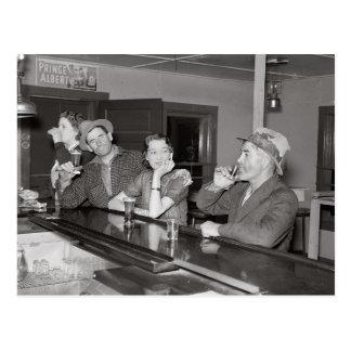 Postal El sábado por la noche en el salón, 1937