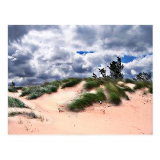 Postal El viento barrió las dunas de arena