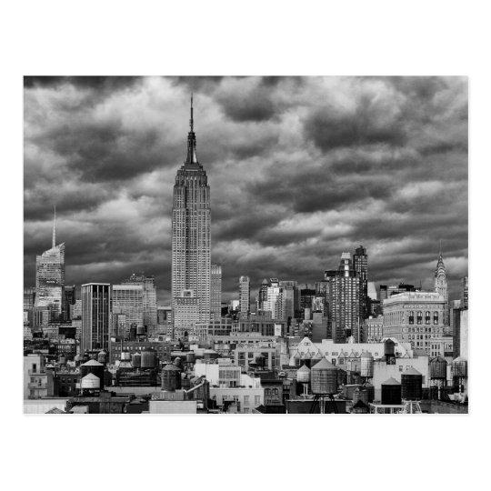 Postal Empire State Building, horizonte tempestuoso de