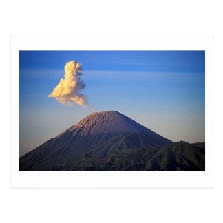 Postal Erupción del volcán del Mt. Bromo, Indonesia