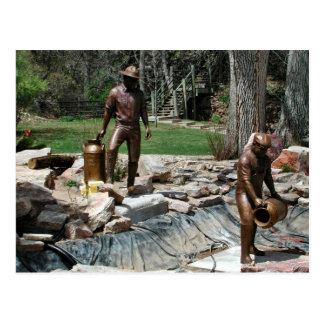 Postal Escultura de bronce de los trabajadores de la