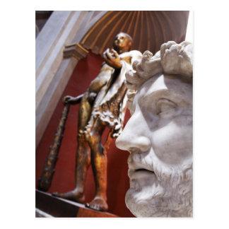 Postal Esculturas dentro del museo de Vatican, Ciudad del