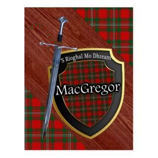 Postal Espada y escudo del tartán de MacGregor del clan