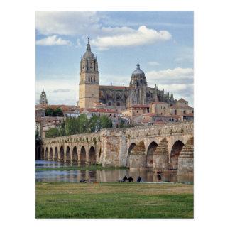 Postal Europa, España, Salamanca. El puente romano encima