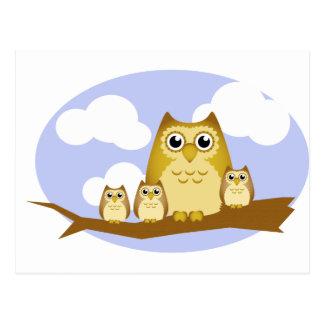 Postal Familia del búho de Brown - 3 niños