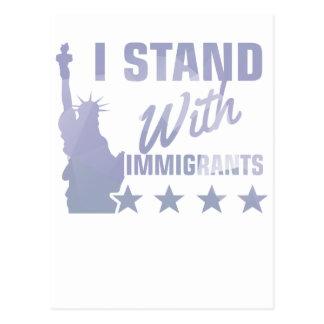 Postal Favorable estatua de la inmigración de la camisa