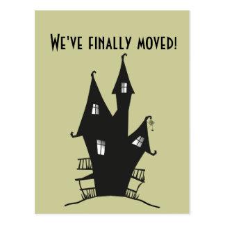 Postal ¡Finalmente nos hemos movido! Casa frecuentada