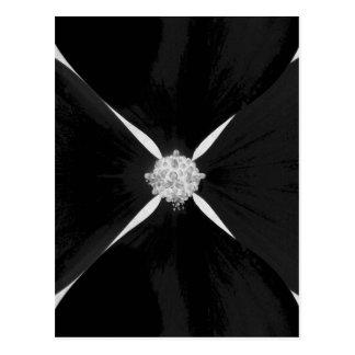 Postal Flor invertida blanco y negro del dogwood