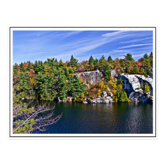 Postal Follaje de otoño alrededor del lago Minnewaska