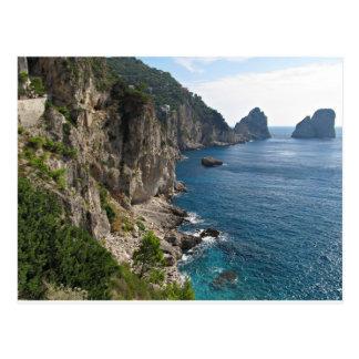 Postal Formación de roca de Faraglioni en la isla Capri