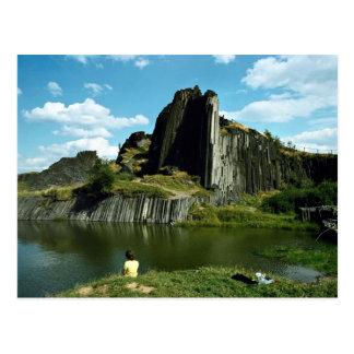 Postal Formación de roca del basalto, la pared del
