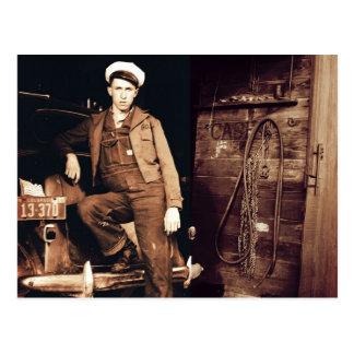 Postal Foto joven del vintage del mecánico