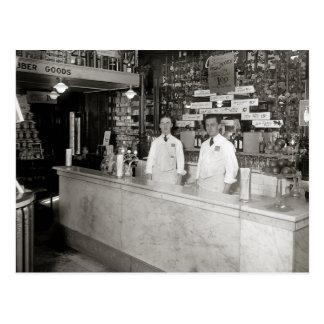 Postal Fuente de soda de la farmacia, 1921