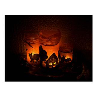 Postal Gato negro de Halloween con las lumbreras y los