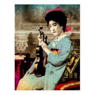 Postal Geisha con músico de Japón del vintage del violín