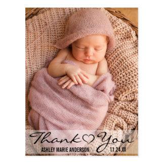 Postal Gracias corazón moderno de la foto del nuevo bebé