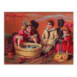 Postal Halloween que se menea para las manzanas