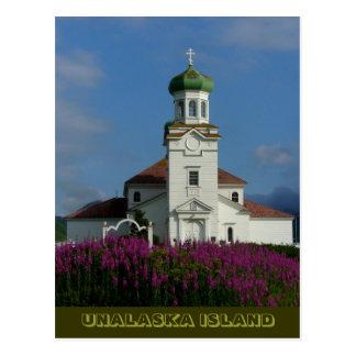 Postal Iglesia ortodoxa rusa en verano con el Fireweed